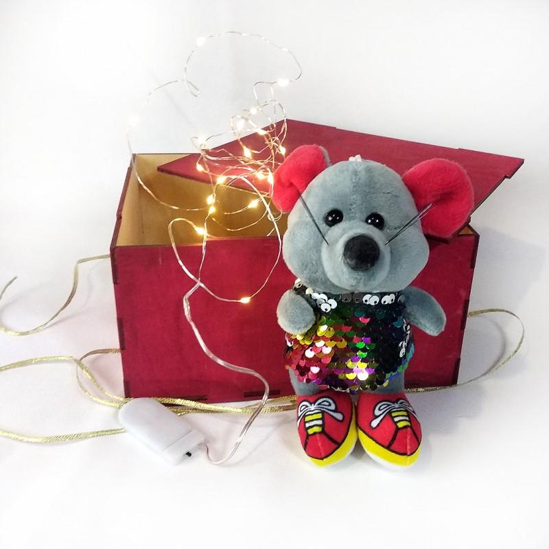Деревянная коробка для подарков 21*18*12 см (+ игрушка, гирлянда)