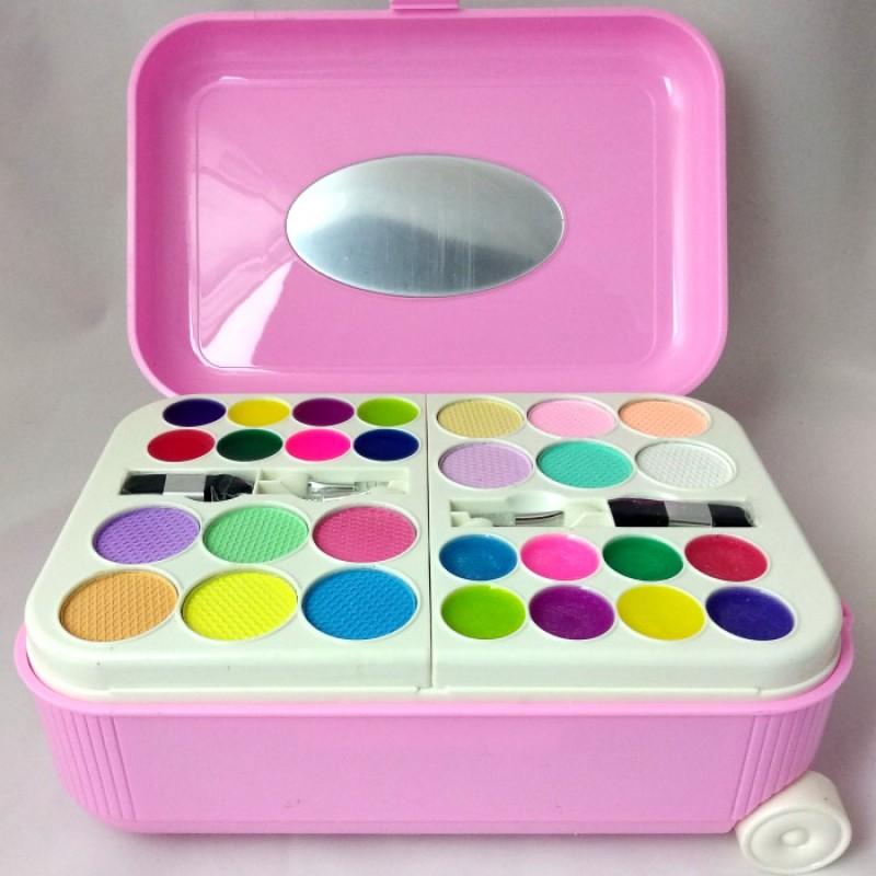 Набор детской косметики в чемоданчике